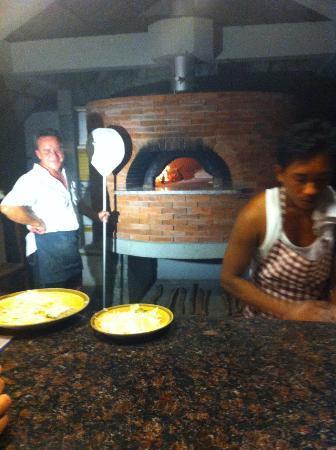 Fishermen's Cove: Giuseppe e ...le sue pizze!!!