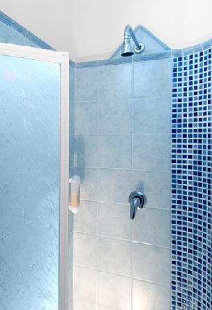 Hotel Majorca : box doccia in ogni camera