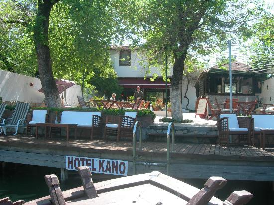 Kano Otel: welcome on our return from a boat trip