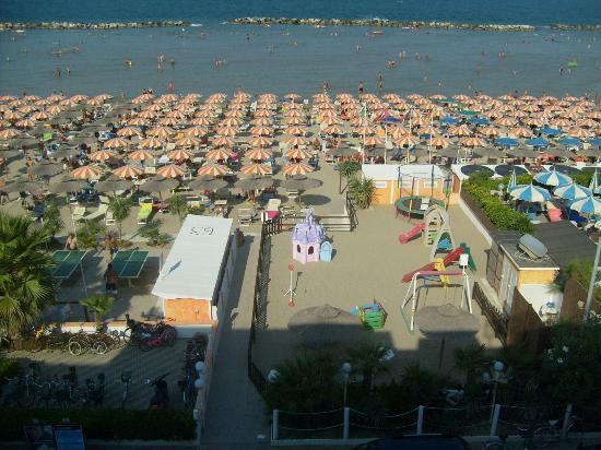 Hotel Francesca: spiaggia