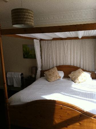 Ruskin's: Bedroom