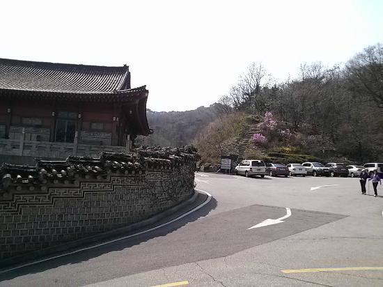 Samcheonggak : ソウルの街から無料シャトルバスで。