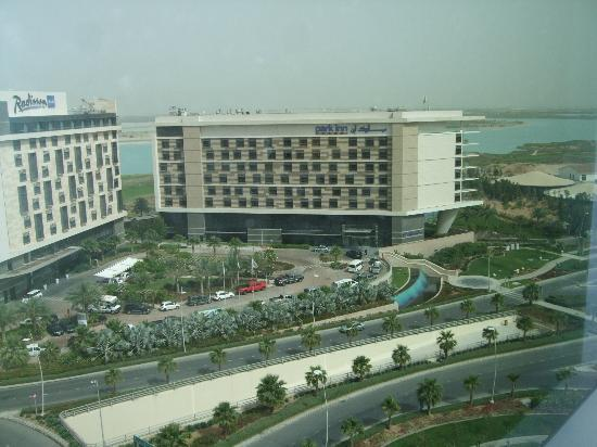 Yas Island Rotana: View of the other hotels next to Rotana (Leisure Drive?)