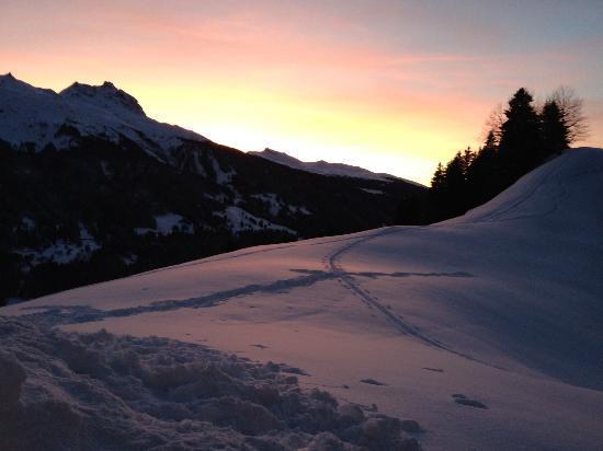 Berghaus Alpenrösli: Sonneruntergang von der Terrasse