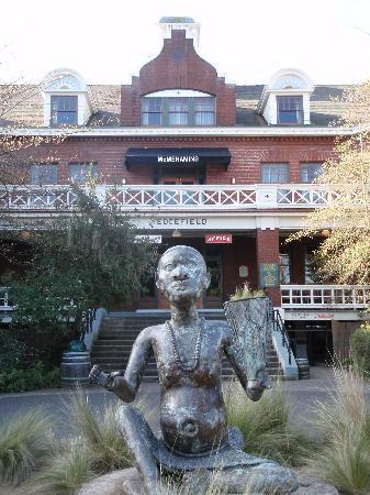 McMenamins Edgefield: hotel