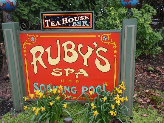 McMenamins Edgefield: ruby's spa