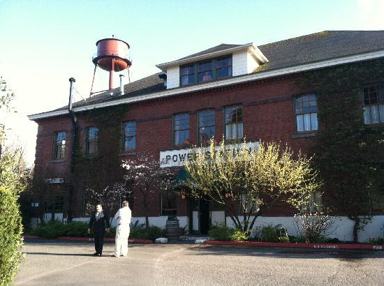 Soaking Pool Picture Of Mcmenamins Edgefield Troutdale