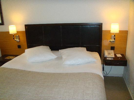 NH Luxembourg: Room