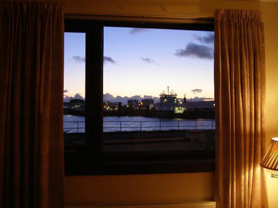 Western Isles Guest House : Vue de notre chambre