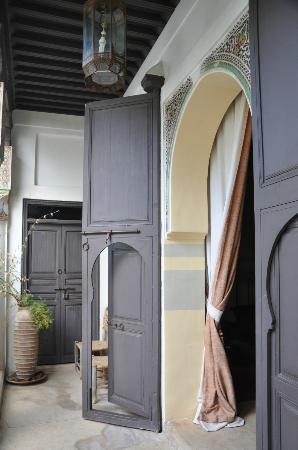 Riad Ennafoura : la porte de la chambre, comme une invitation