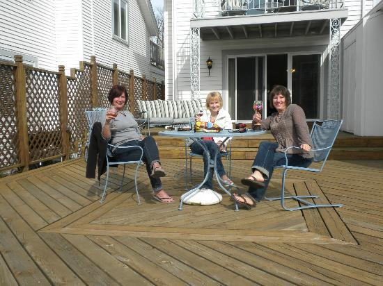 Bayside Inn: Relaxing our patio.