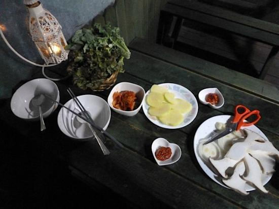 Gyeongju JY Pension: Side Dishes zum Grillgut