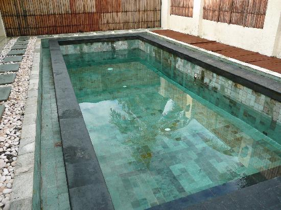 เกลาปา ลักชูรี วิลล่าส์: Pool