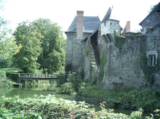Chateau of Plessis-Mace : The back way in over the bridge