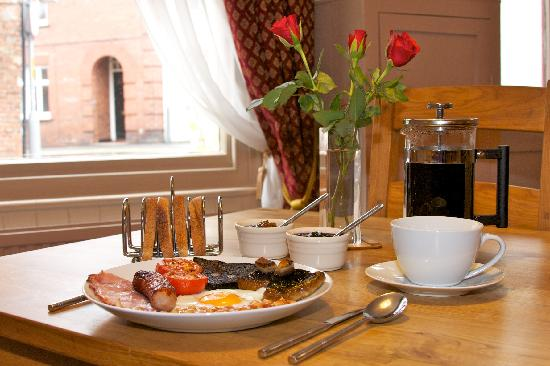 The Gallery Bed & Breakfast: Breakfast at The Gallery