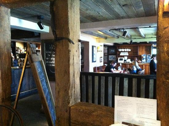 The Packe Arms: interno