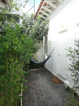 Canto das Laranjeiras Pernambuco: Outside Limoa - private hammock