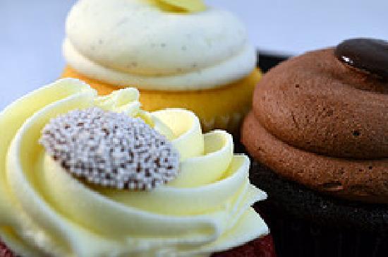 Fresh To Order: Cup Cakes Mmmmmm.....