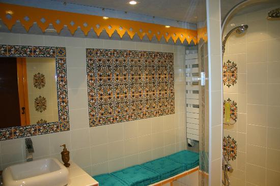 Earl Champagne Gilmaire-Etienne : salle de bain le ryad
