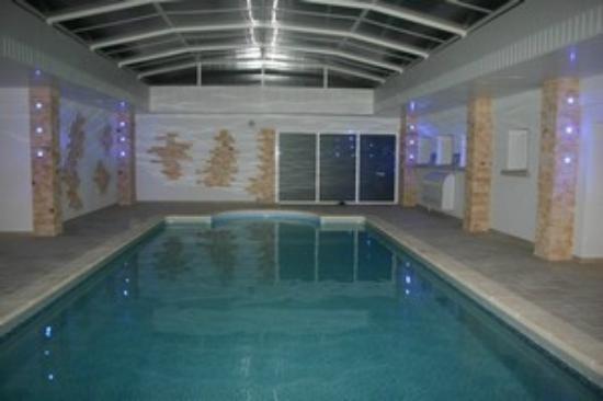 Earl Champagne Gilmaire-Etienne : piscine couverte et chauffée