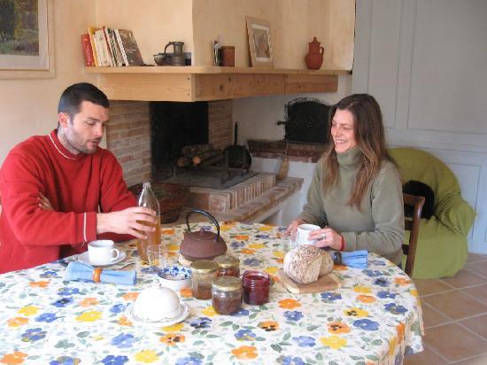 Le Jardin Clos: Dans la cuisine