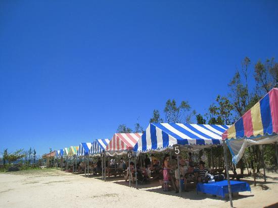 Sunset Beach: ビーチパーリィもできます。