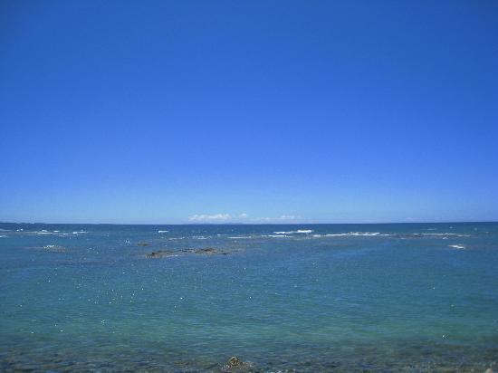 Sunset Beach: 遊泳区域は広くありません。スノーケルも禁止。