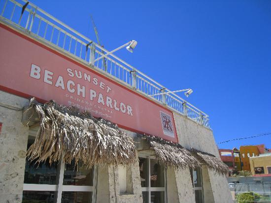 Sunset Beach: 綺麗な設備が完備されています。