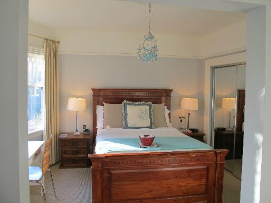 Barclay House Bed and Breakfast: The Beach Room