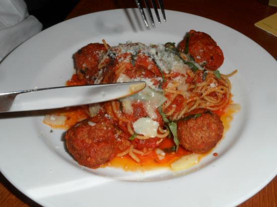 Campiello: Wonderfule spagetti and meatballs