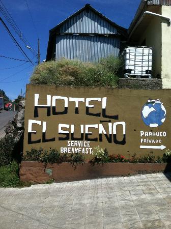 Hotel El Sueño: Front of hotel
