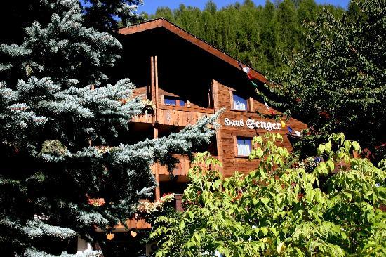 Chalet Hotel Senger Sommeransicht