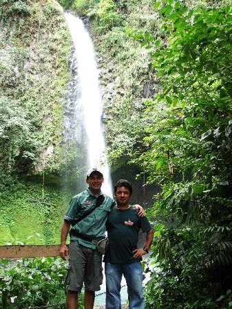 Eagle Tours : catarata la fortuna camino al cerro chato