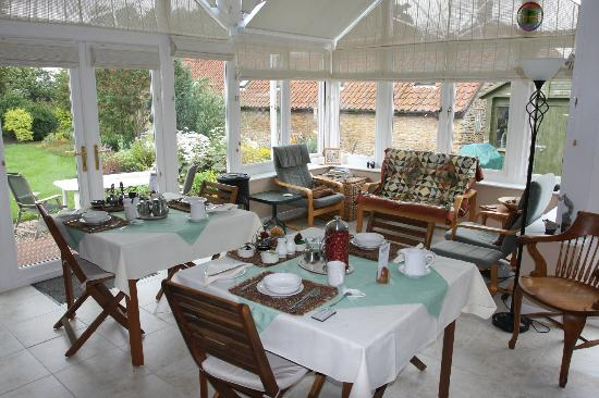 Foxholm B&B: Great breakfasts served in the beautiful conservatory
