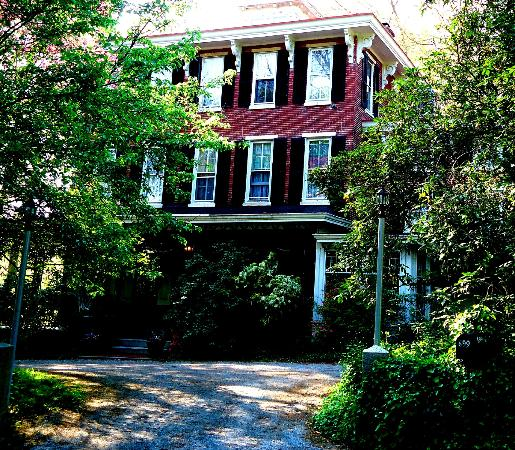 Faunbrook Bed & Breakfast: Exterior #2
