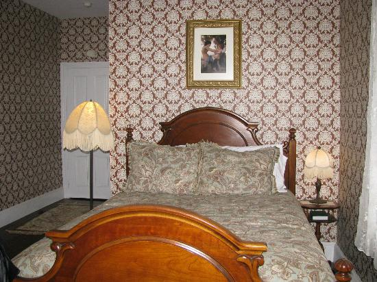 The Mason Cottage Bed & Breakfast Inn: Bedroom