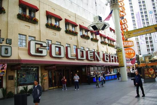 Casino at the Golden Gate Hotel: Amf Anfang der Fremont Street
