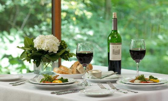 ذا إن آت هاني ران: Tarragon - casual American fine dining
