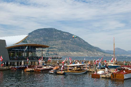 Penticton Lakeside Resort & Conference Centre: Hooded Merganser Restaurant