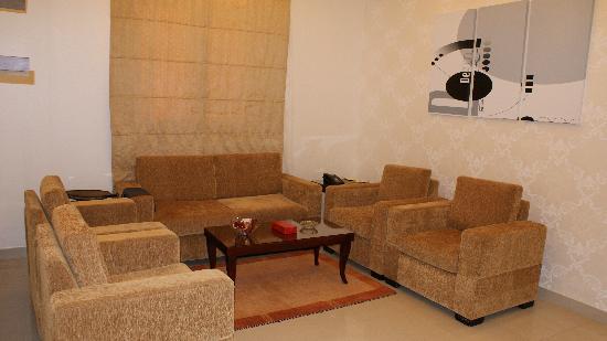 Rest Inn Hotel Suites Riyadh : Living Room