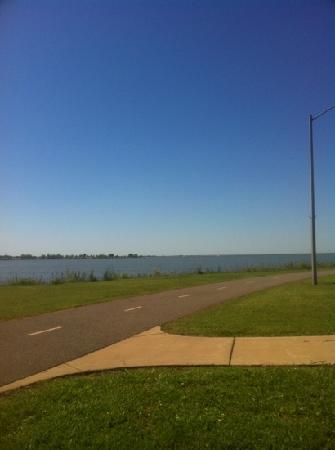 Hefner Lake & Park: lake view