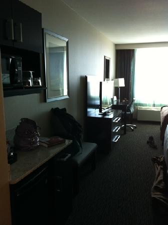 Holiday Inn Hotel & Suites Saskatoon Downtown: 2 queen room