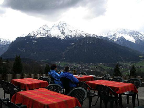 Alpengasthof Hochlenzer Restaurant: Hochlenzer Outdoor Dining
