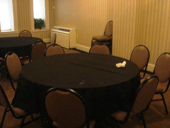 Tazewell Hotel & Suites: Frühstücksraum