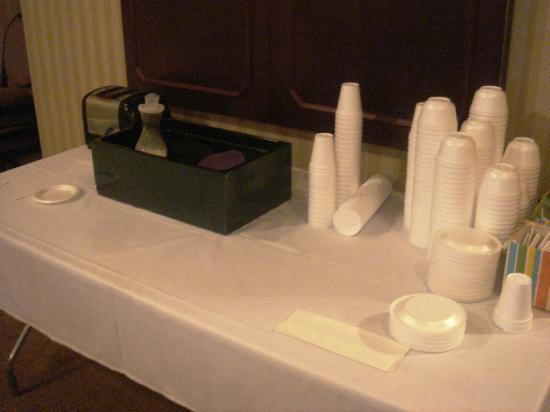 Tazewell Hotel & Suites: Frühsücksbuffet