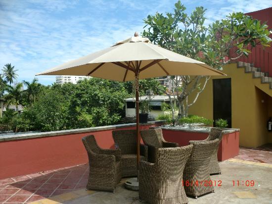 Zylan Luxury Villa: Rooftop terrace