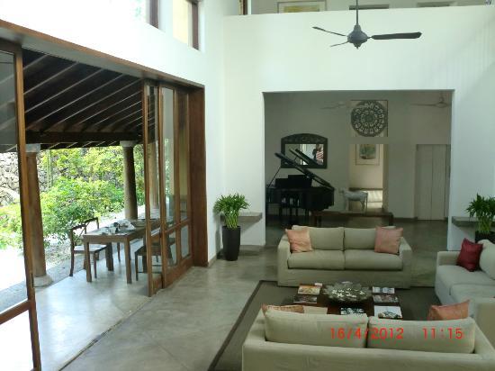 Zylan Luxury Villa: Breakfast area