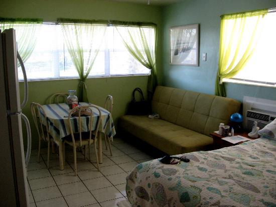 Angelfish Inn: 1 Room Suite