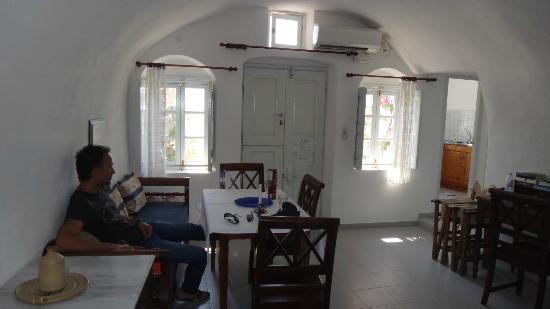 Chelidonia Traditional Villas: Inside villa - living room