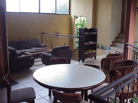 Hotel Aeromundo: Seating Area